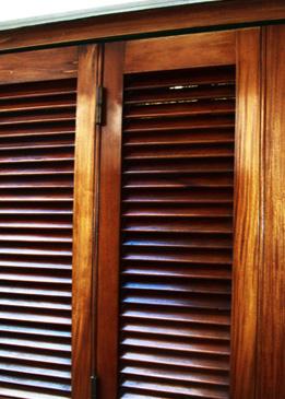 Ventanas de madera aberturas guti rrez for Fabrica de ventanas de madera en buenos aires